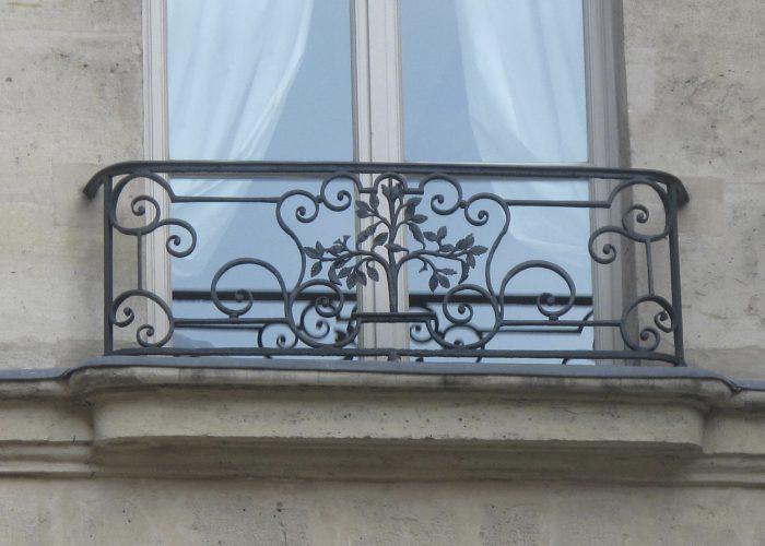 Çiçek Detaylı Ferforje Pencere Korkuluk Modeli