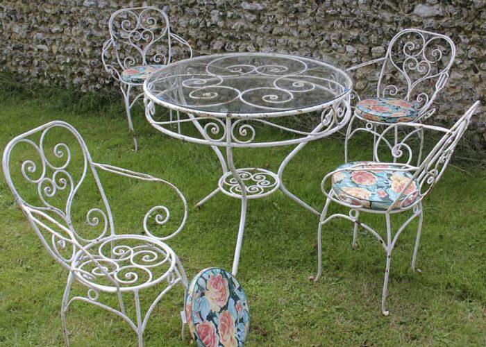 Çiçekli Ferforje Masa Sandalye Modeli