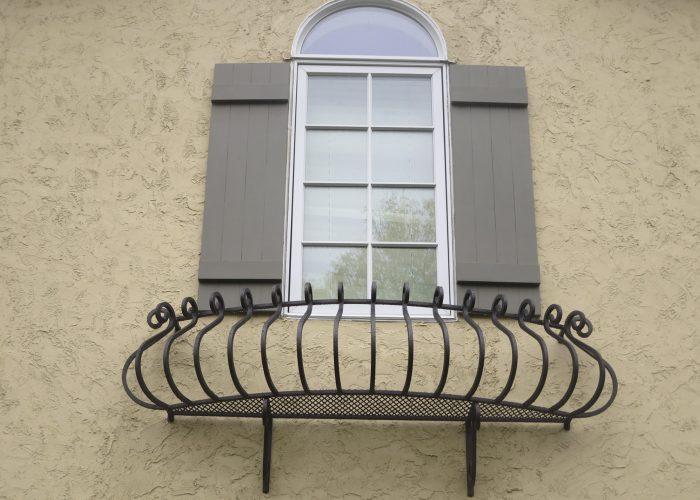 Oval Ferforje Pencere Korkuluk Modeli