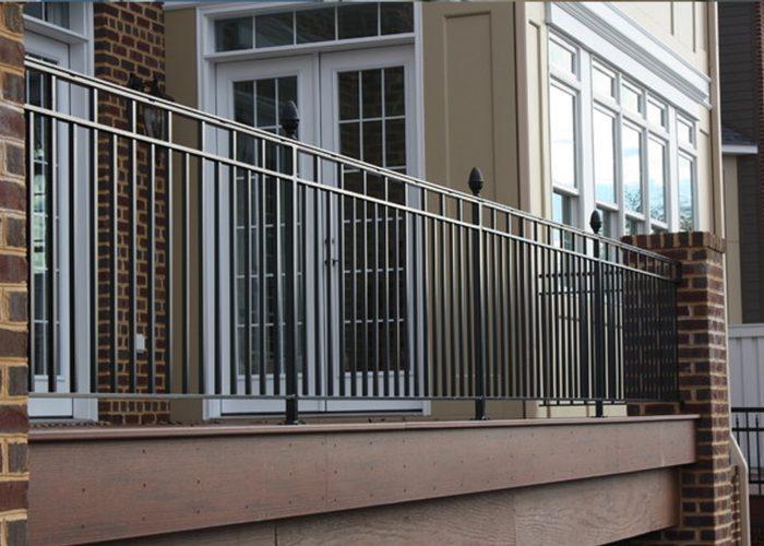 Uzun Ferforje Balkon Korkuluk Modeli