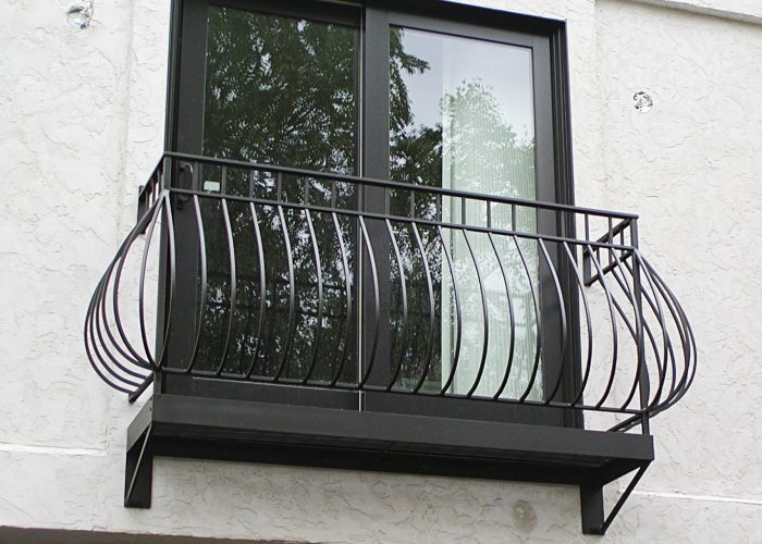 Yuvarlak Ferforje Pencere Korkuluk Modeli