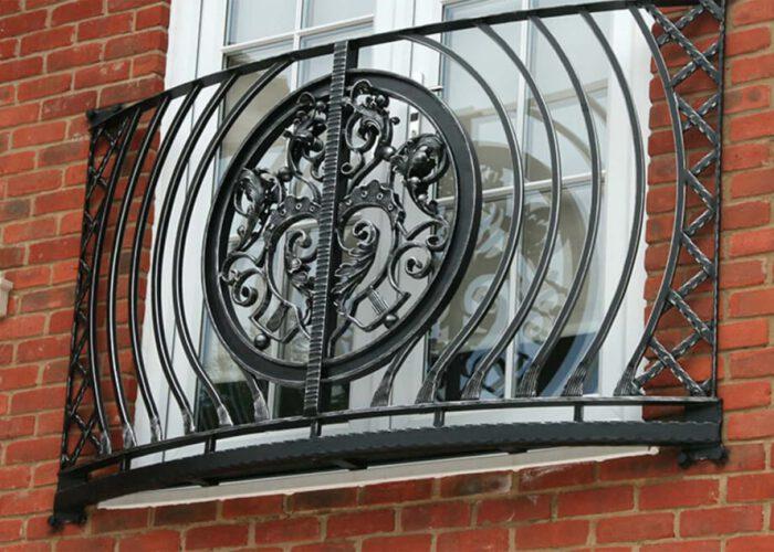 antik-detayli-ferforje-pencere-korkuluk-modeli