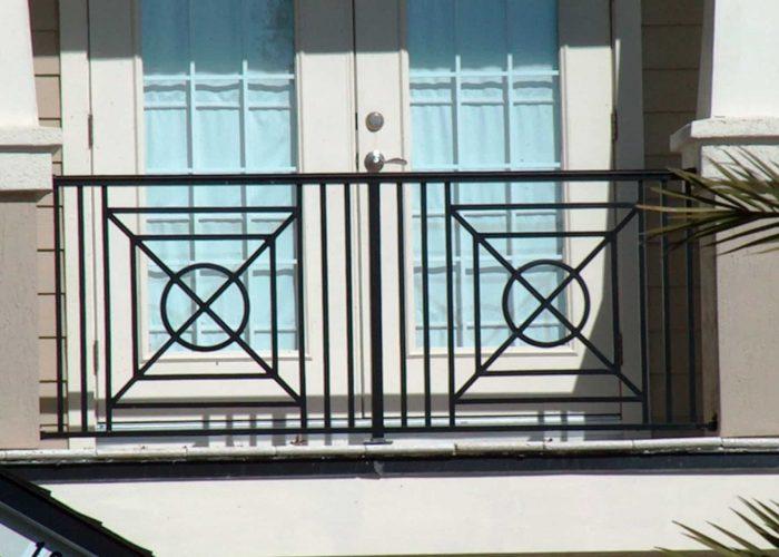 minimal-tasarimli-ferforje-pencere-korkuluk-modeli