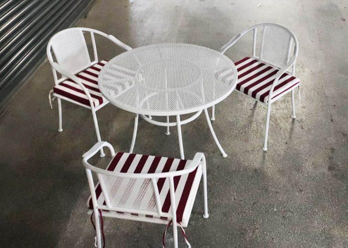 beyaz-ızgara-ferforje-masa-sandalye